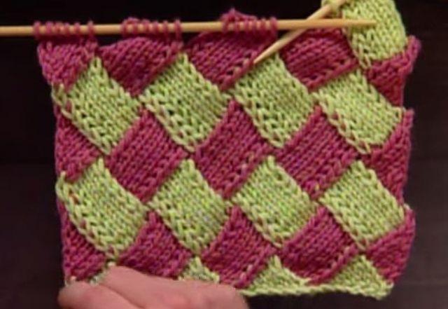 Teknikken er ganske lett å lære, selv om det kan se komplisert ut. Den består av å strikke rader av ruter som er høyre- eller venstrevendte. Kontstrikk kan strikkes på rette pinner eller rundt på rundpinne, og teknikken kan brukes til å lage skjerf, tepper, vesker, hatter, og til og med sokker.