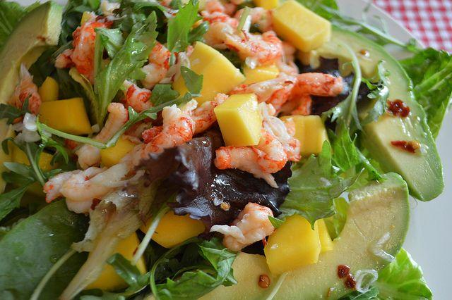 Where Are My Knees?: Weight Watchers friendly crayfish, mango & avocado salad recipe