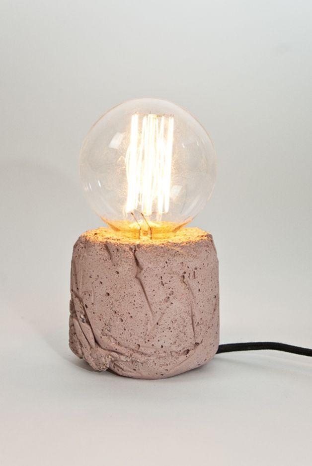 Tischlampen - β- Leuchte (eisenoxid-rot Beton, Textilkabel) - ein Designerstück von LJ-Lamps bei DaWanda