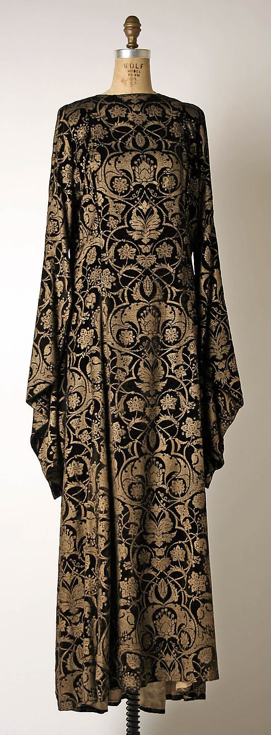 Dress (Tea Gown)  Mariano Fortuny  (Spanish, Granada 1871–1949 Venice)  Design House: Fortuny (Italian, founded 1906) Date: 1930–32 Culture: Italian