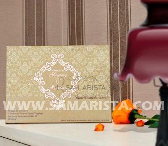 <==MASIHH di 7rban, ayo segera booking sebelum bulan november.langsung contact ke 022-5223378/70706073 Jangan sampe telat !! #kartu #undangan #samarista #wedding #invitation #card #bridal #art #pernikahan #perkawinan #unik #cara #pesan #cepat #murah #mudah