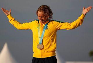 Blog Esportivo do Suíço:  Yane Marques vence votação e será a porta-bandeira do Brasil