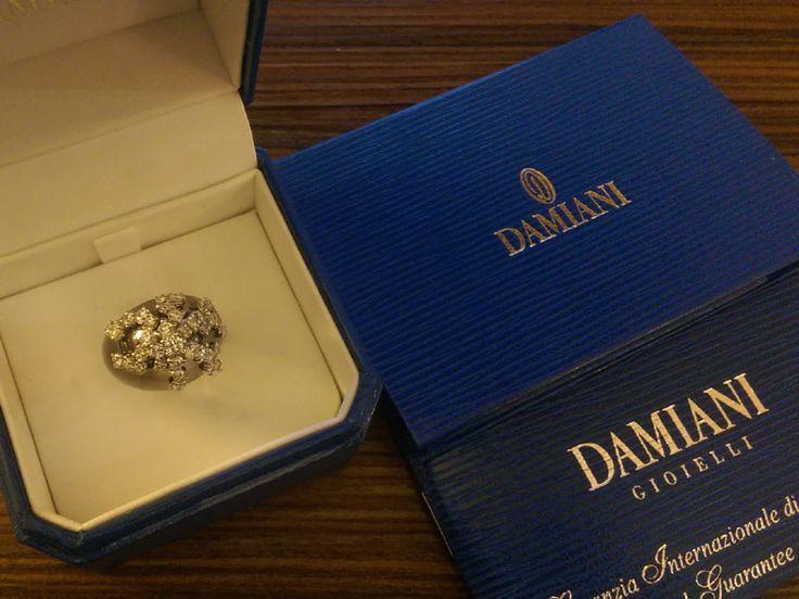 Купить новое кольцо Дамиани белое золото, черный родий с бриллиантами в Киеве  http://goldclub.in.ua/item/damiani-koltso_2636.html