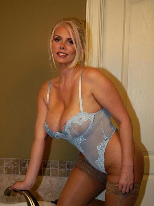 escort free website mature blonde