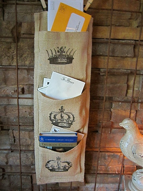 Burlap Wall Mail Holder...I think I could make this...maybe...