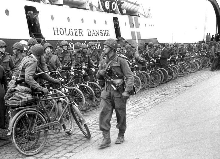 The Danish Brigade arriving in Helsingor 1945