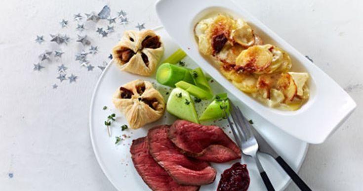 Roastbeef med flødekartofler og champignonpakker - Opskrifter - Arla