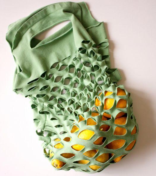 Faça você mesmo: transforme sua camiseta velha em uma bolsa sustentável