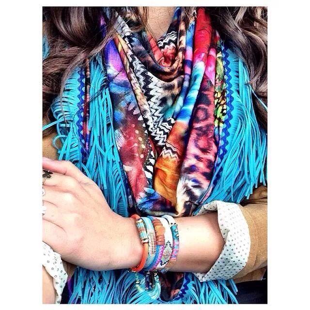Aztec scarve