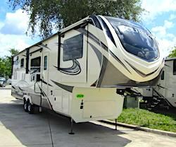 10 Best-Built Fifth Wheels You Need to Know About   Best ...