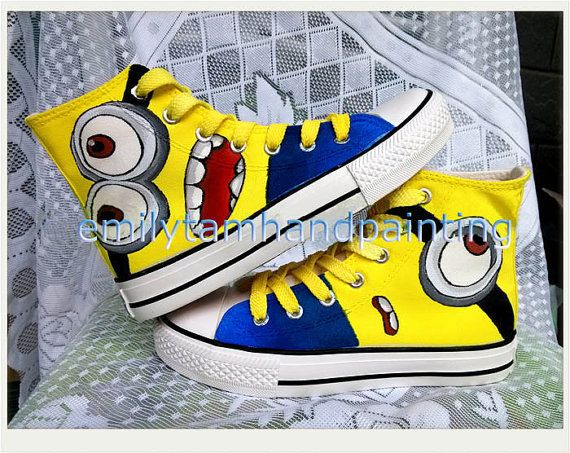 e57981a480b663 Custom Cartoon Converse Despicable Me