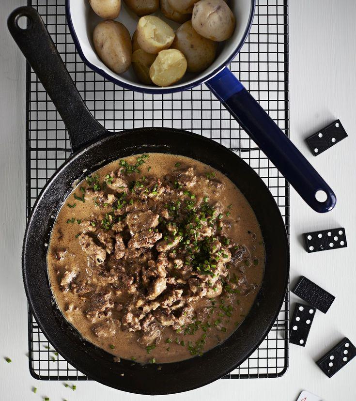Huippukokin jauhelihakastikkeen maun takana on kolme salaisuutta: mummon ruskea kastike, 10 minuuttia hautunut sipuli ja rapeaksi ruskistettu...
