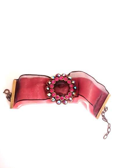 Brazalete estilo Barroco con piedras de cristal de Swarovski | Velei Vintage : Bolsos antiguos, bisutería barroca, complementos, antigüedades, cuadros, arte en general.