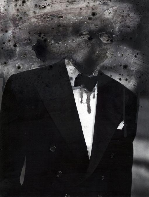 Hipocresía 2014 - Solvent on paper Image: 38 x 29 cm. Framed: 55 x 45 cm.  Work framed with passe-partout and black wood frame