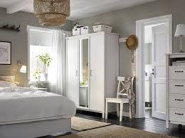 Contemporary and Modern Mirror Inspiration | www.essentialhome.eu/blog | #midcentury #mirror #furniture