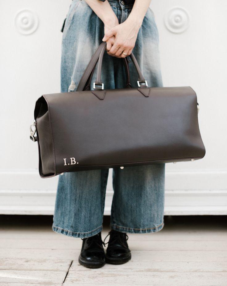 La mia valigia da finesettimana: è una borsa di Masel che ho personalizzato con le mie cifre e scegliendo il tessuto interno. Devo esser sincera, trovo pesante la parola organizzazione, è per questo negli ultimi anni mi sono dedicata ad eliminare : meno si ha, più facile è la gestione e anc