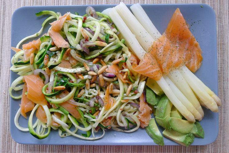 Courghetti met asperges en zalm recept ~ lekker, makkelijk, koolhydraatarm ~ www.con-serveert.nl