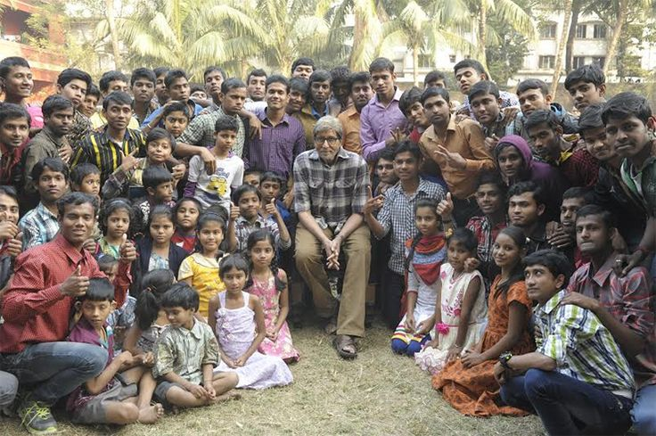 Amitabh Bachchan shoots with deaf and mute children for TE3N http://www.chennaicitynews.net/cinema/amitabh-bachchan-shoots-with-deaf-and-mute-children-for-te3n-23143/