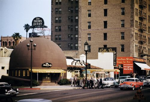 The Brown Derby Restaurant, Los Angeles, 1954......  I remember this place...