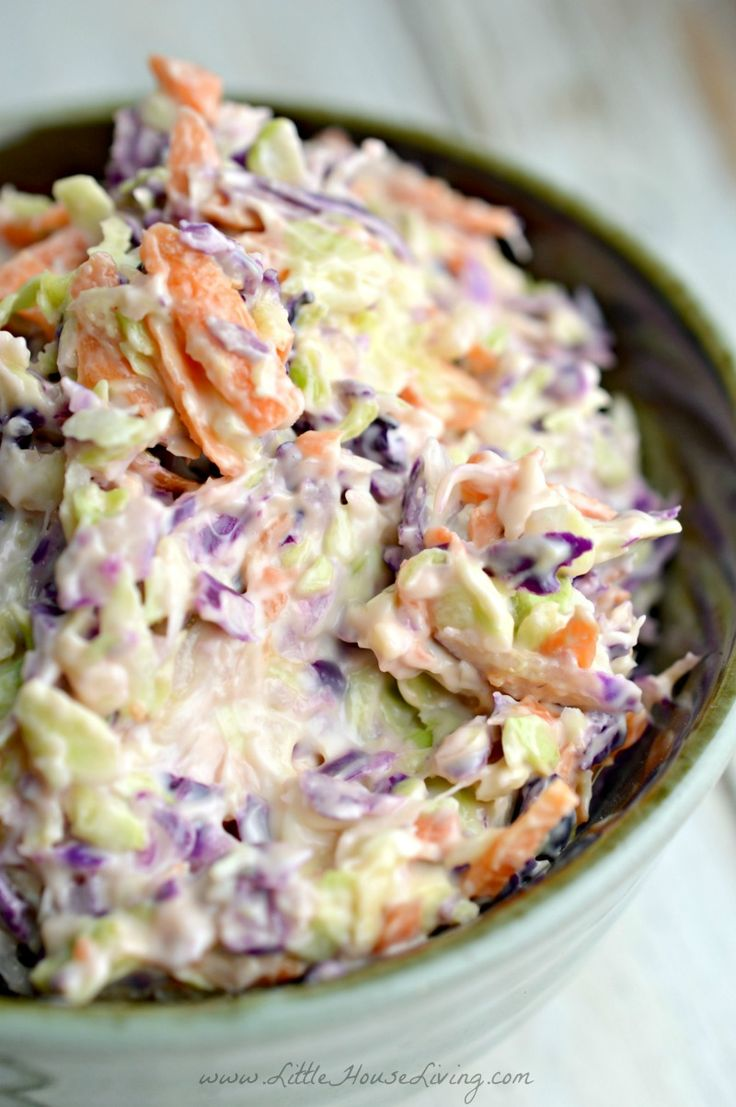 How to make coleslaw from scratch with this simple recipe that only uses 4 main ingredients!