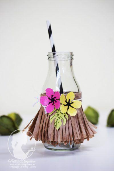 Nellis Stempeleien:  Kleine Milchflasche mit Baströckchen als Idee für eine Sommerparty im Hawaii-Stil.  Stempel und Stanzen von Stampin' UP! Botanical Blooms