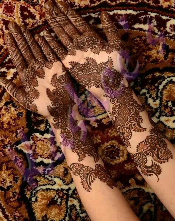 Gorgeous henna...I am in LOVE with this design