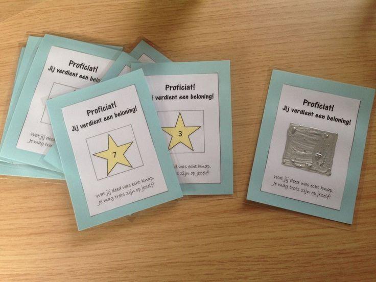 Vorig schooljaar heb ik enkele kraskaarten gemaakt voor in mijn klas. Eigenlijk zou je deze kaarten ook kunnen zien als een soort beloning. Wie iets knap doet, of wie jarig is, mag een kaart trekk...