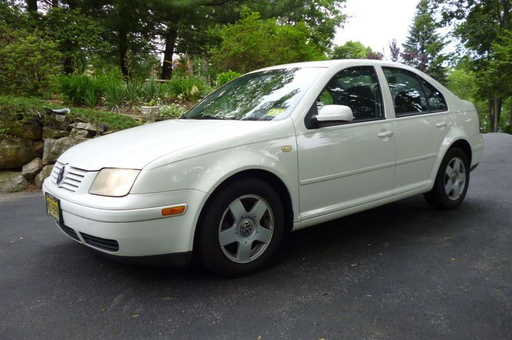 Make:  Volkswagen Model:  Jetta Year:  1999 Body Style:  Sedan Exterior Color: White Interior Color: Black Doors: Four Door Vehicle Condition: Excellent Price: $2,950 Mileage:126,000 mi Fuel: Gasoline Engine: 4 Cylinder Transmission: Automatic Drivetrain: 2 wheel drive VIN: 3VWSC29M2XM032924  for more info: http://UnitedCarExchange.com/a1/1999-Volkswagen-Jetta-61664789991