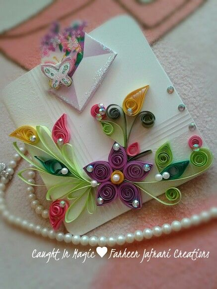 I ♥ Love ♥ this beautiful quilled greeting card. What an awesome job on this card!