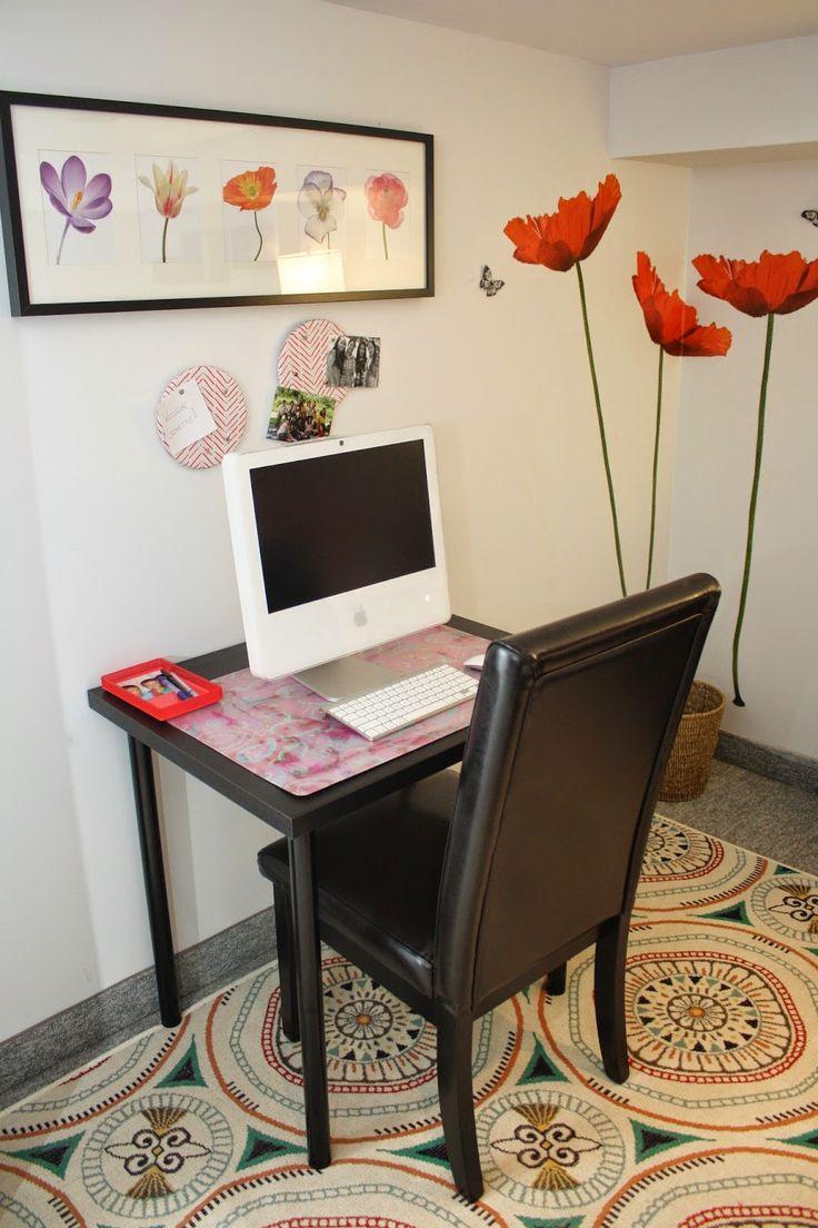 Coral inspired bedroom desk area