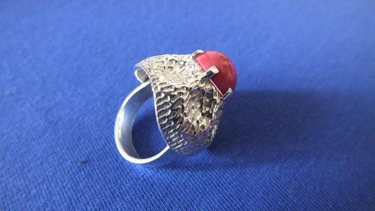 WARMET - Srebrny pierścionek z czerwonym kamieniem