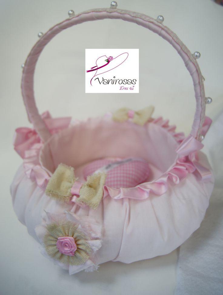Canasta de tela nanzu, tono rosa palido o rosa bebe. Para los souvenir. Estamos en el Centro de Lima.  En facebook: Vanirosas Peru