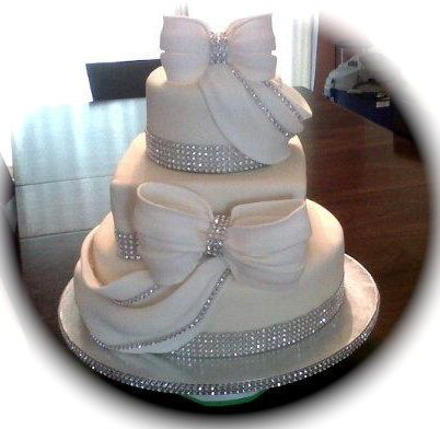 Diamonds and Rhinestones wedding cake ~ fabulous design!
