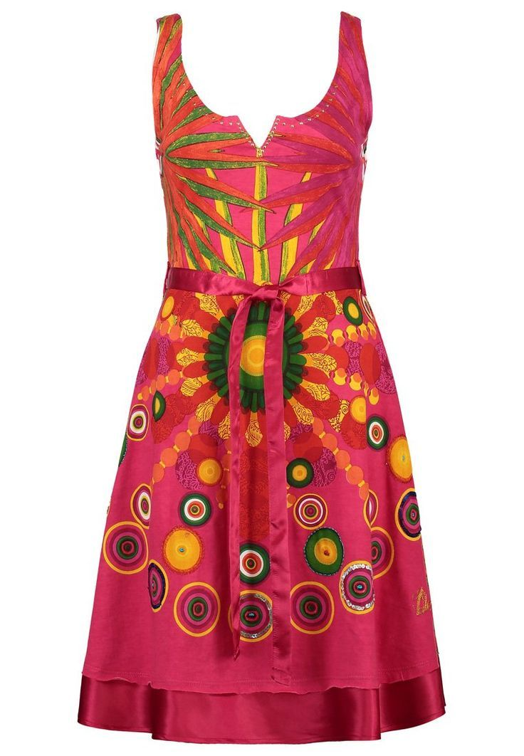 Desigual Jersey pink dress. Isn't it a perfect one for your weekends.