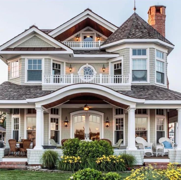 Great family house with huge porch Great