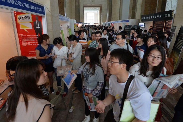 Taxa de emprego de recém-graduados na China é a mais baixa na história | #Capacitação, #China, #DesaceleraçãoEconômica, #Desemprego, #Educação, #Emprego, #EstatísticasManipuladas, #LuChen, #Universidade