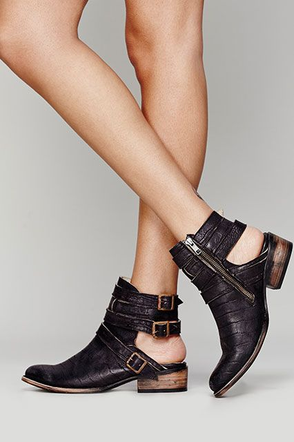 21 Warm-Weather Boots To Dance In All Festival Season Long #refinery29  http://www.refinery29.com/womens-boots#slide18