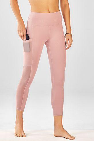 4682ecfc7e68d Mila Pocket Capri in 2019 | Blog | Yoga pants with pockets, Pants ...