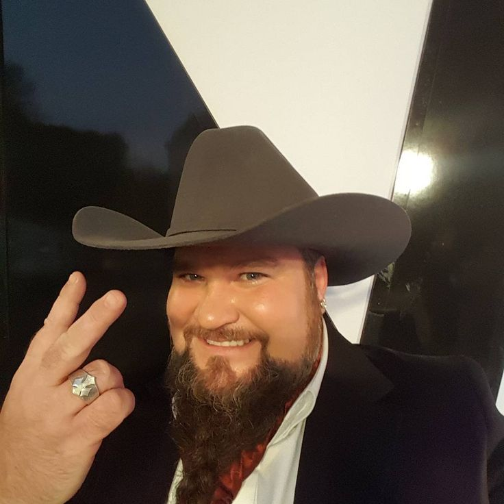Sundance Head -- 6 things to know about 'The Voice' finalist Sundance Head -- 6 things to know about The Voice finalist competing on Season 11. #Idol #TheVoice #JoshGallagher #BillyGilman #SundanceHead #WeMcDonald #BlakeShelton @TheVoice