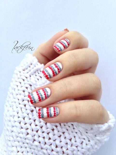 polka dots christmas nail art