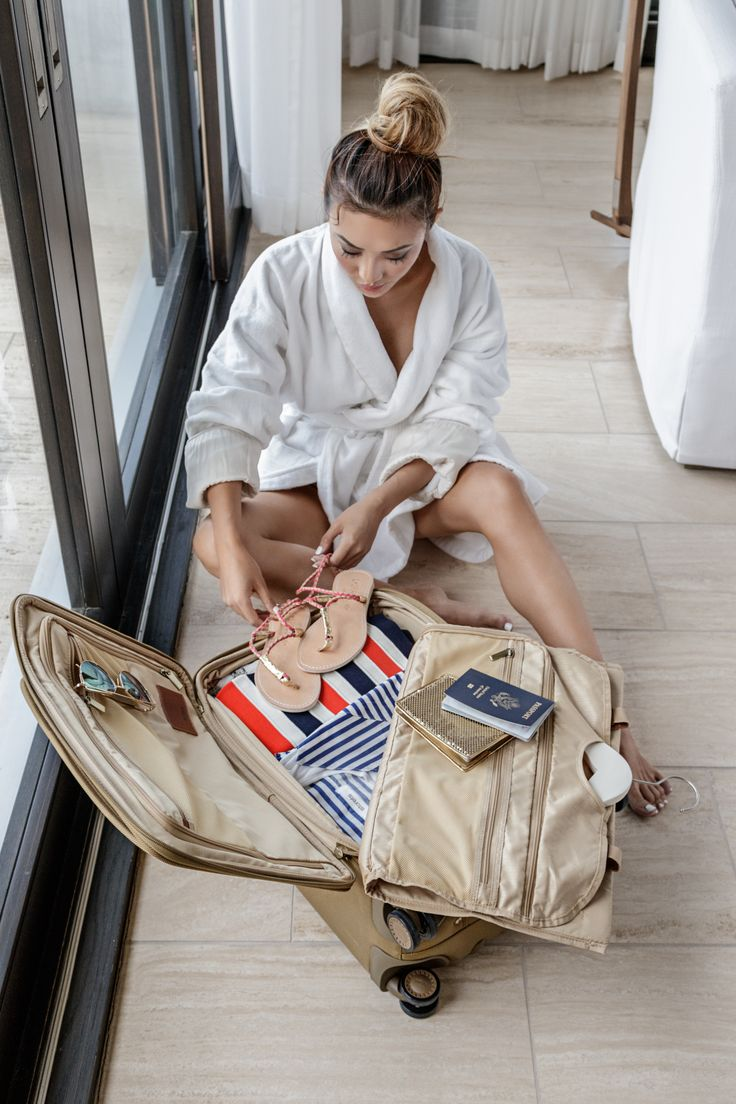 Pro Packing Tips for Your Next Resort Getaway // Notjessfashion.com // travel tips, packing tips, how to pack for a tropical vacation, tropical vacation, Hartmann, Ratio, Classic Deluxe Glider Case, Suitcase, Carry On, jessica wang, NYC, Top Fashion Blogger, Lifestyle Blogger, Travel Blogger