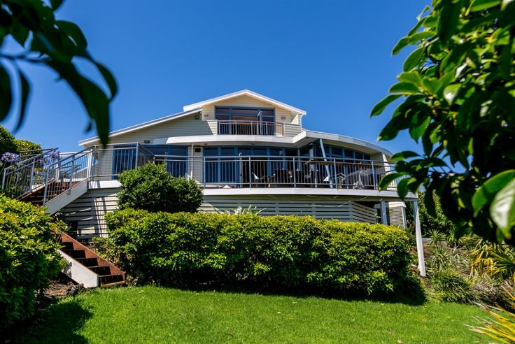 This large waterfront property is perfect for entertaining, family life or buyers contemplating retirement. The views are superb of the sea, port and beach. The main living area is open plan with the dining and kitchen that opens out to large...