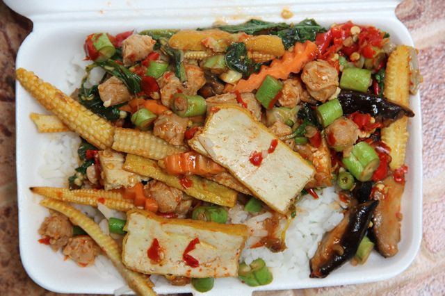 Enjoy the ideal dishes in the #local #thai #takeaways restaurant @ http://articles.abilogic.com/90894/obtain-your-ordered-food-local.html