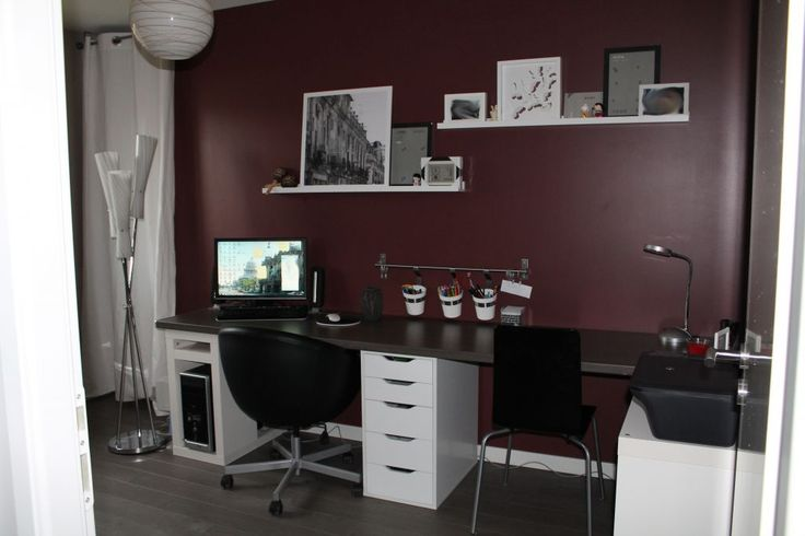 Bureau 10.4m2 teintes murales rouges - Haute Marne (52) - janvier 2012
