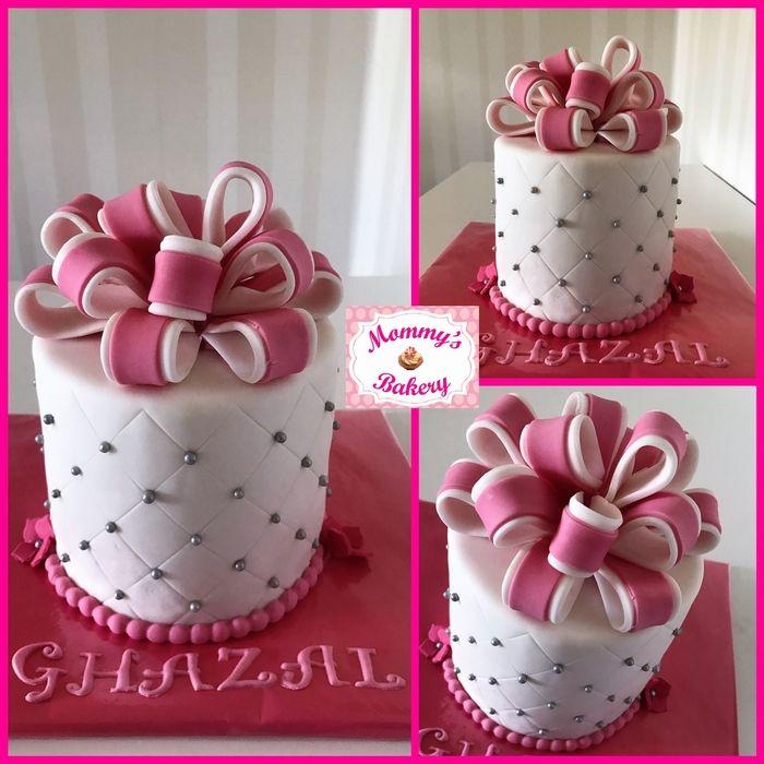 Parel taart met strik
