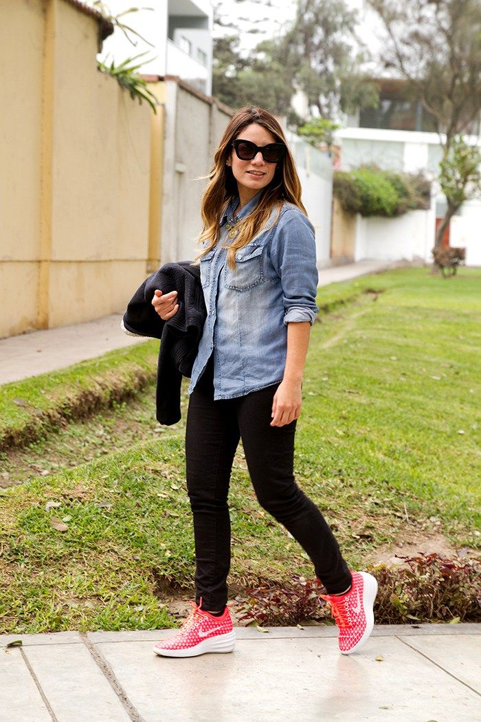 outfits con tenis nike mujer