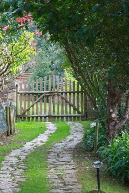 Autre idée de structure pour portail d'entrée de propriété
