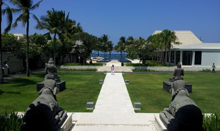 Bali. Amazing Royal Santrian Villas