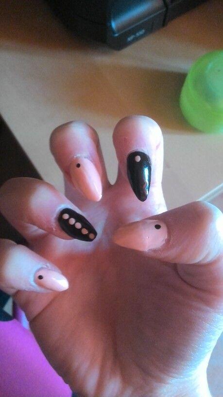 #unghie nere e rosa cipria