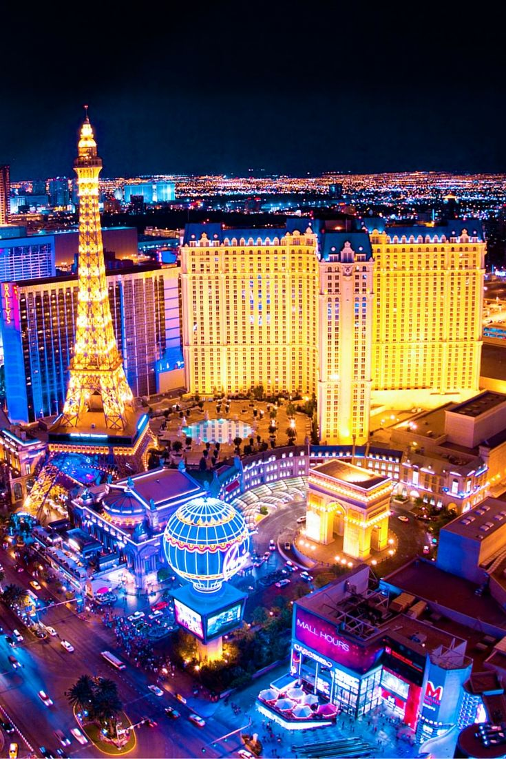 Read this before planning your trip to Las Vegas. 10 Attractions You Can't Miss In Las Vegas!